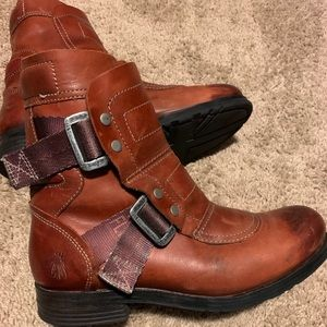 Fly London Brick Seli Leather Boot